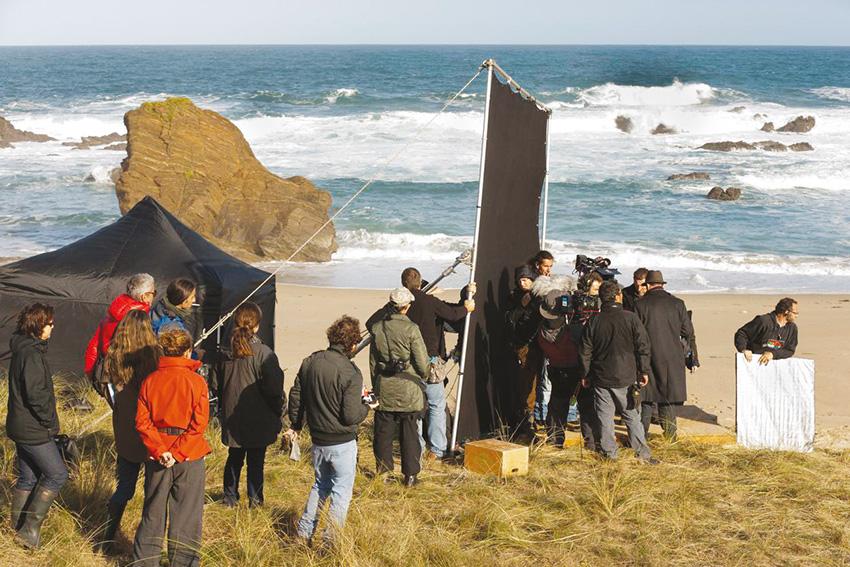 Rodaje de la película Invasor, en la playa de los Ponzos