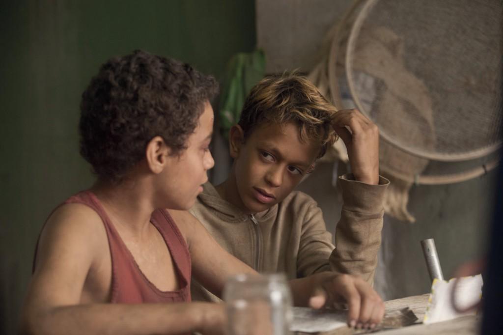Trash: Ladrones de esperanza (2014)