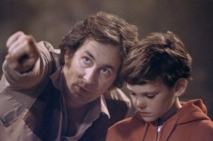 et_the_extra_terrestrial_steven_spielberg_directs_henry_thomas
