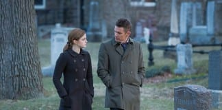 Emma Watson y Ethan Hawke en Regresión (Alejandro Amenábar, 2015)