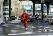 Joker (2019), dirigida por Todd Phillips e interpretada por Joaquin Phoenix
