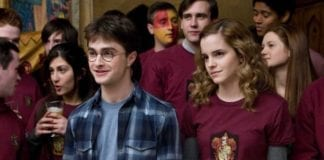 Daniel Radcliffe como Harry Potter y Emma Watson como Hermione Granger en Harry Potter y el misterio del príncipe