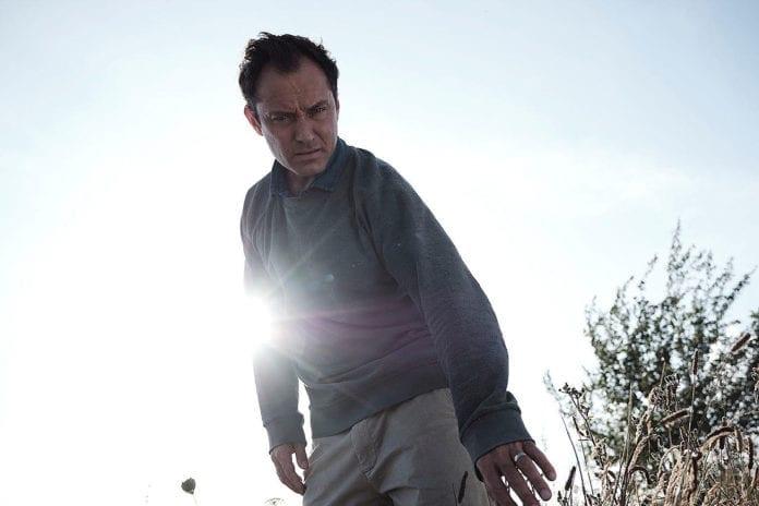 Jude Law protagoniza El tercer día