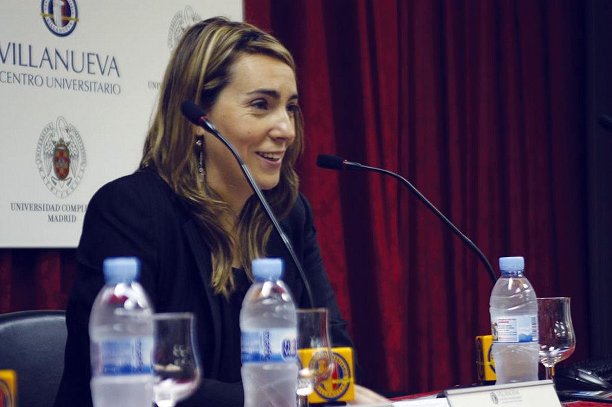 Ana Sánchez de la Nieta, subdirectora de FilaSiete, presentó el acto