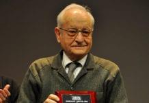 Manuel Alcalá (Cine Club Vida) recibiendo el Premio de Honor de Asecan