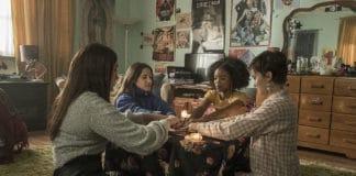 Jóvenes y brujas (2020)