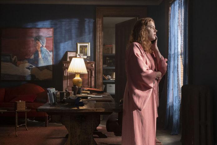 La mujer en la ventana (2021)