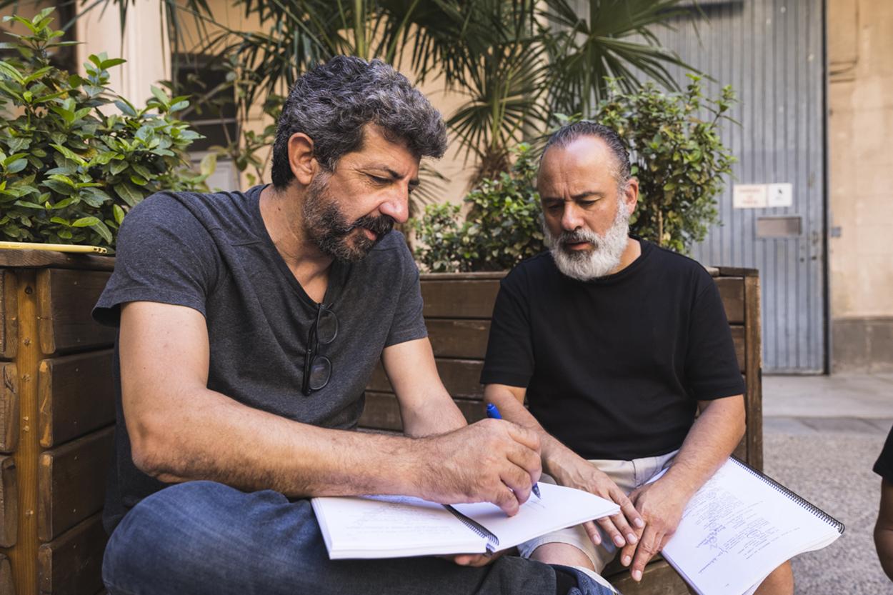 Alberto Rodríguez y Javier Gutiérrez en el rodaje de Modelo 77